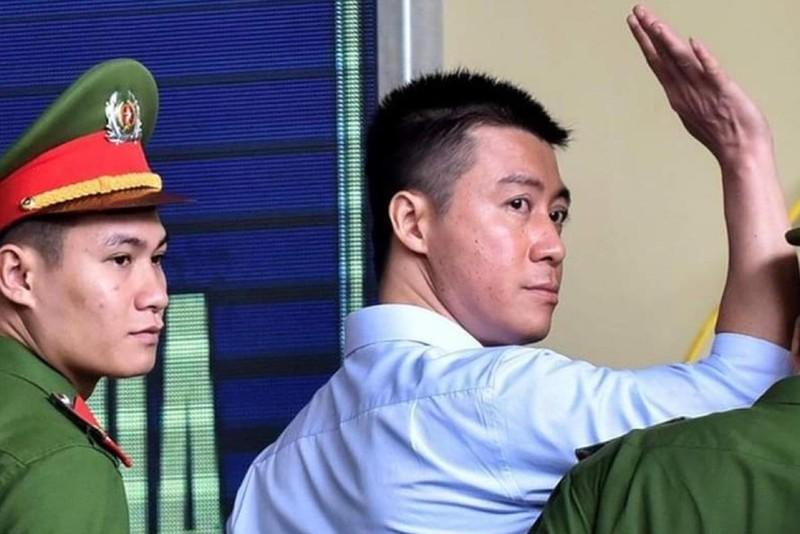 Giai ma tinh tiet phanh phui vu giam an sai cho Phan Sao Nam-Hinh-8