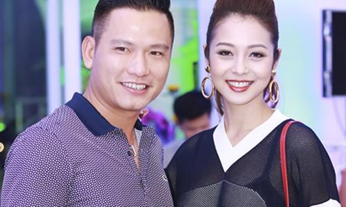 Phan ung cua Thu Minh Jennifer Pham khi chong bi to no nan