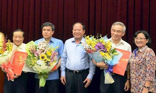 Pho Ban tuyen giao Thanh uy TP HCM xin thoi viec