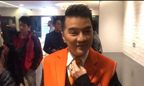 "Tham do MTV EMA gap su co, Dam Vinh Hung bi ""lua"" vao san khau"