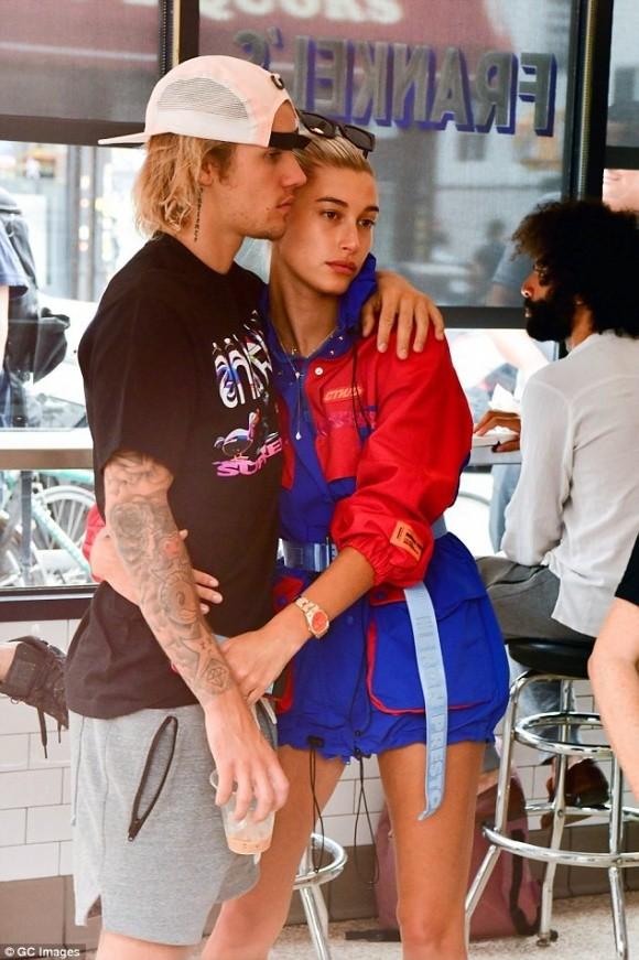 Vua di 'trang mat' voi Justin Bieber, Hailey Baldwin da co bau?