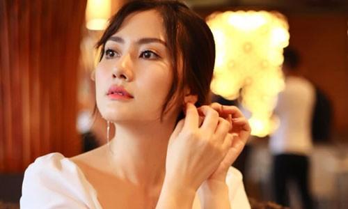 Gia moi tiep khach nghin do: Cam bay bua vay gai xinh showbiz-Hinh-5