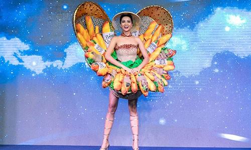 "H'hen Nie sai lam khi mang quoc phuc ""Banh Mi"" den Miss Universe?-Hinh-2"