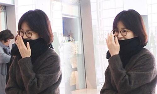 Giua tin ly hon Song Joong Ki, Song Hye Kyo da khong con deo nhan cuoi