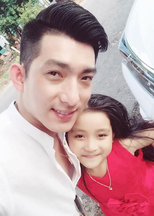 Bat ngo moi quan he giua Phi Thanh Van va chong cu nguoi Phap-Hinh-12