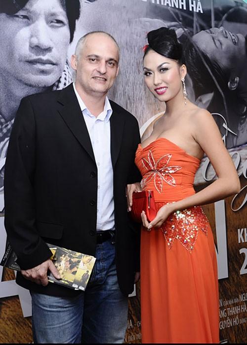 Bat ngo moi quan he giua Phi Thanh Van va chong cu nguoi Phap-Hinh-3