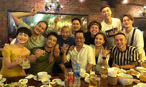 NSND Hoang Dung hon ma DV Bao Han: Trong sang hay phan cam?-Hinh-4