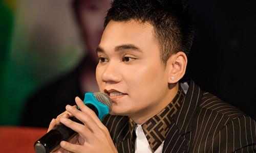 Lo ly do Khac Viet moi Tran Thanh tham gia liveshow mien phi