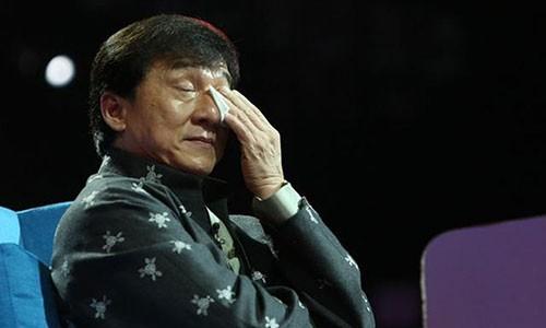 Ngoi sao vo thuat giai cuu Thanh Long khi bi 50 nguoi duoi chem la ai?