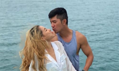 Ngan 98 tinh tu ben Luong Bang Quang mac scandal lo clip nong-Hinh-2