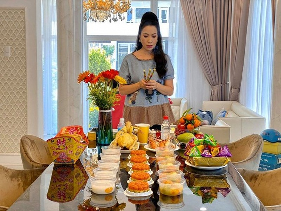Dien vien Trinh Kim Chi lam le cung khi ve o biet thu 200 m2-Hinh-3