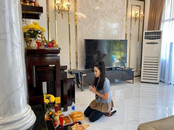 Dien vien Trinh Kim Chi lam le cung khi ve o biet thu 200 m2-Hinh-5