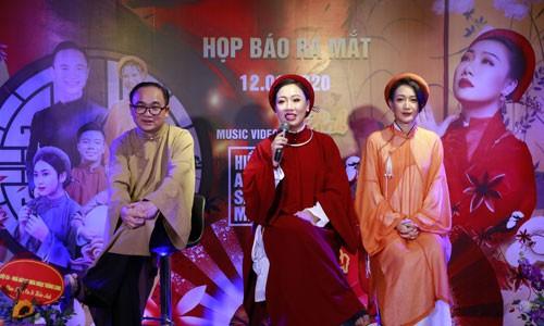 "Sao Mai Hien Anh lam MV ve chuyen tinh ""ngoai luong"" theo phong cach co trang"