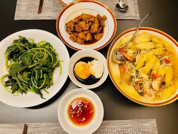 Chi Bao tro tai nau nuong khien vo sap cuoi biet the lay chong som-Hinh-3