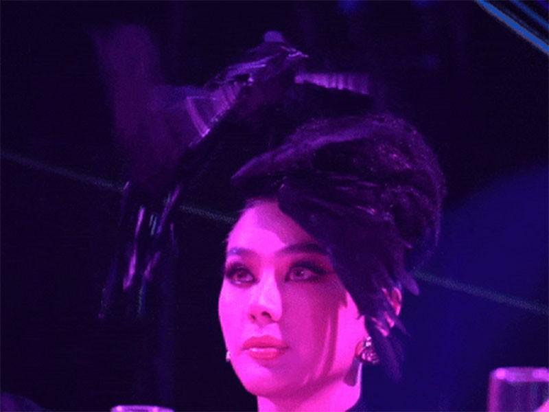 Lam Khanh Chi lo tren tham do, loat sao gay cuoi bi nem da-Hinh-2