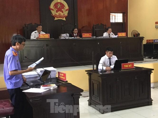 Nguyen Pho chu tich huyen linh 18 thang tu treo do Vi pham quy dinh quan ly dat dai-Hinh-2