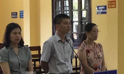 Nguyen Pho chu tich huyen linh 18 thang tu treo do Vi pham quy dinh quan ly dat dai