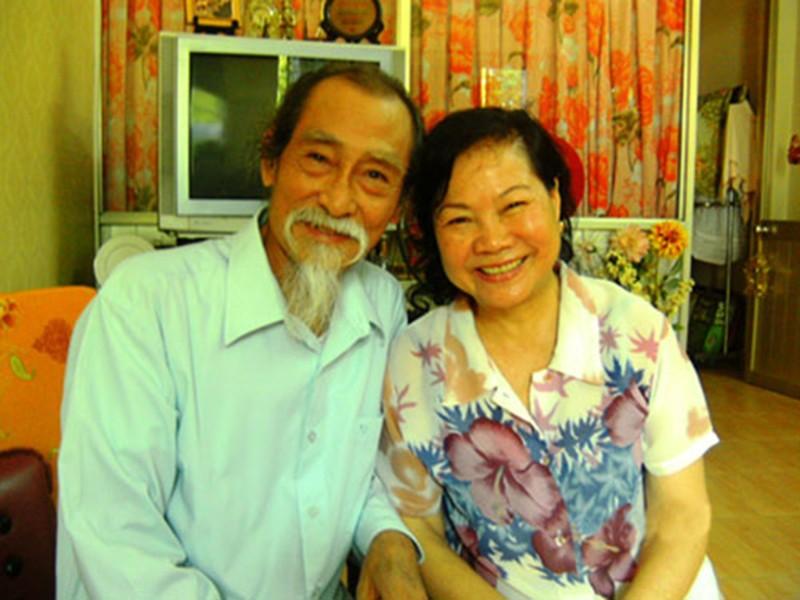 "Hon nhan nua thap ky cua nghe si Manh Dung ""Dat phuong Nam"""
