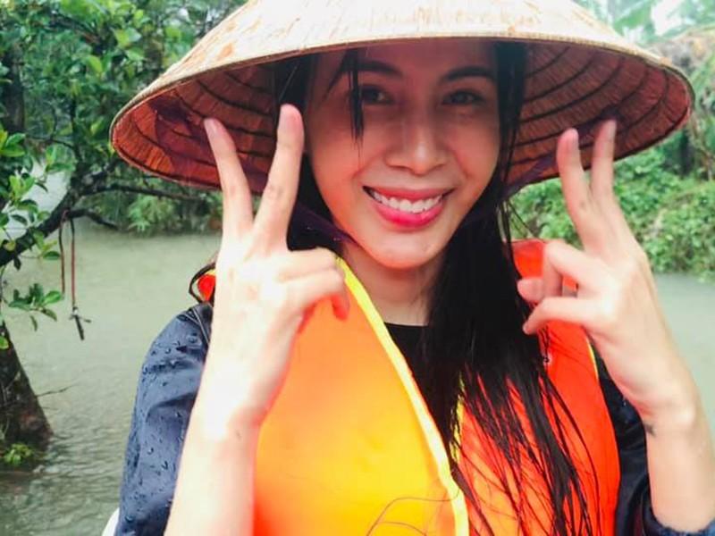 Xuc dong canh Thuy Tien an voi, tay nhan nheo khi di tu thien-Hinh-9