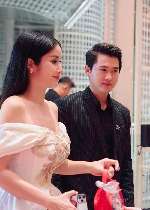 Tai hon voi chong kem 9 tuoi, cuoc song cua Thao Trang the nao?-Hinh-3