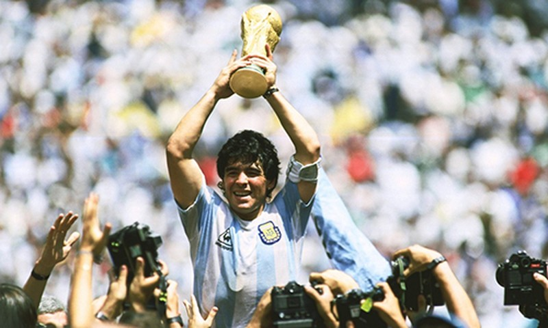 "Sao Viet tiec thuong ""huyen thoai bong da"" Diego Maradona qua doi"