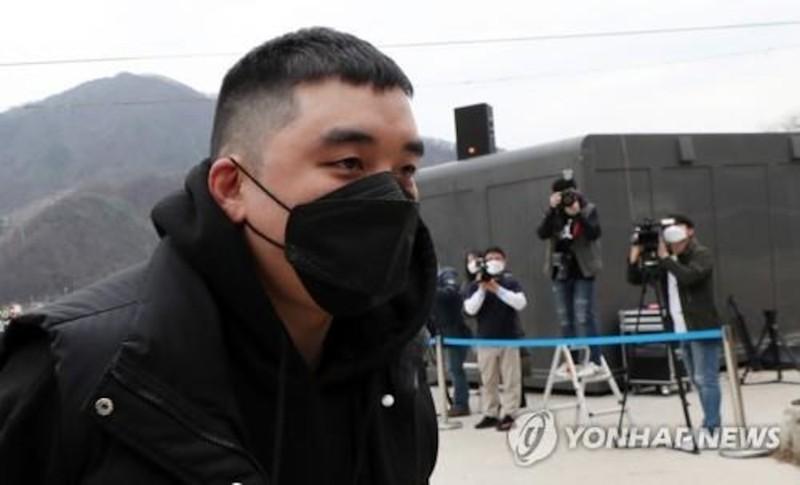 2 co gai mai dam tiet lo su that tai nha Seungri Bigbang-Hinh-2
