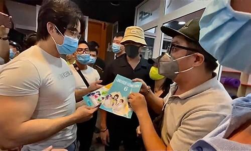 Cat Phuong den gap gymer xuc pham vo chong nghe si Chi Tai-Hinh-2