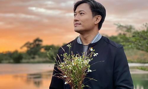 Ba xa Quy Binh mot minh chuan bi tiec bao hy o Phu Quoc-Hinh-3