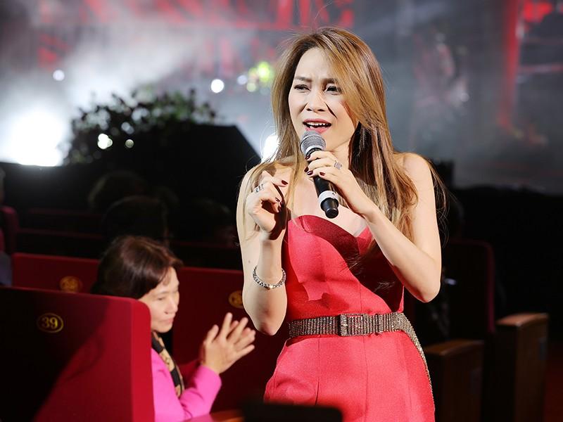 My Tam bieu dien cuc sung trong dem nhac tai Ha Noi-Hinh-5