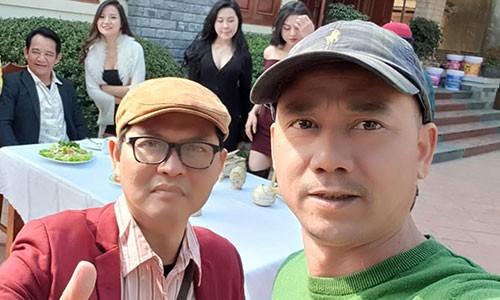"""Cha de"" ""Dai gia chan dat"" tiet lo hau truong lam phim hai Tet-Hinh-2"