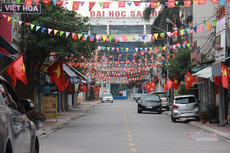 Mung 1 Tet: Canh de thuong trong khu cach ly TP Chi Linh-Hinh-6