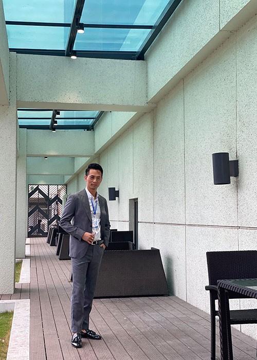"""Nam dien vien cuong buc Hong Diem trong """"Huong duong nguoc nang"""" la ai?-Hinh-2"""