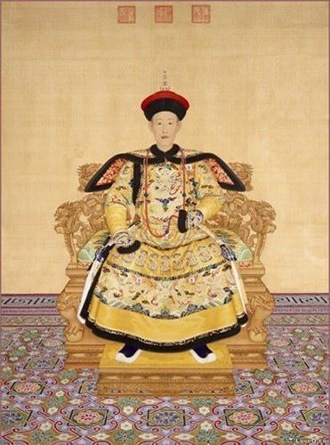 Vi sao Hoa Than luon duoc vua Can Long sung ai?