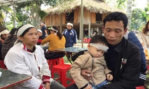 Tai nan tham khoc o Thanh Hoa: Ngay tang chung o ban