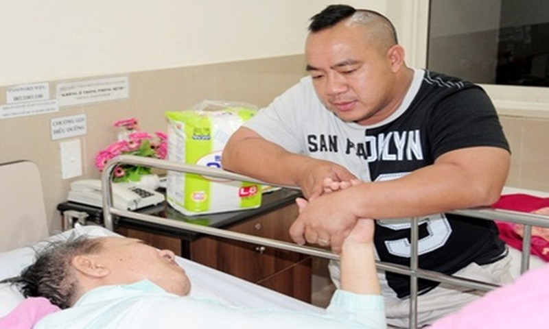 Tang Thanh Ha va loat sao tiec thuong nghe si Duc Lang vua qua doi-Hinh-2