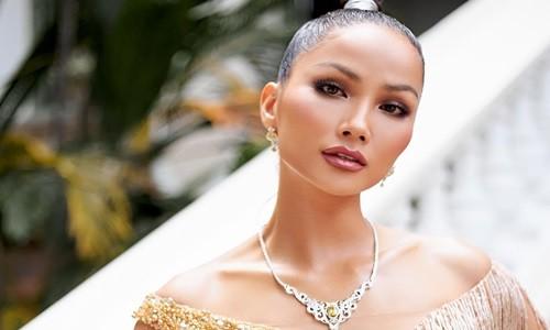 H'hen Nie co xung lam giam khao Hoa hau Hoan vu Viet Nam 2021?