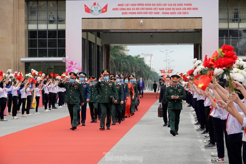 Thuong tuong Phan Van Giang va Thuong tuong Nguy Phuong Hoa hoi dam tai Trung Quoc-Hinh-7