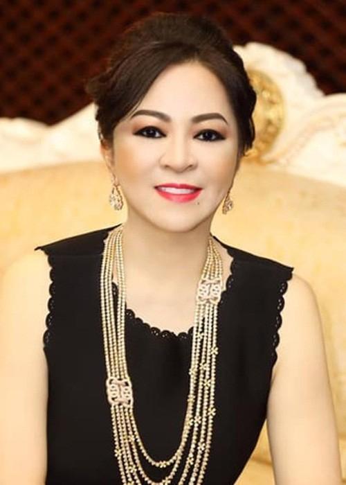 NSND Hong Van va loat sao Viet dinh on ao voi ba Phuong Hang-Hinh-4