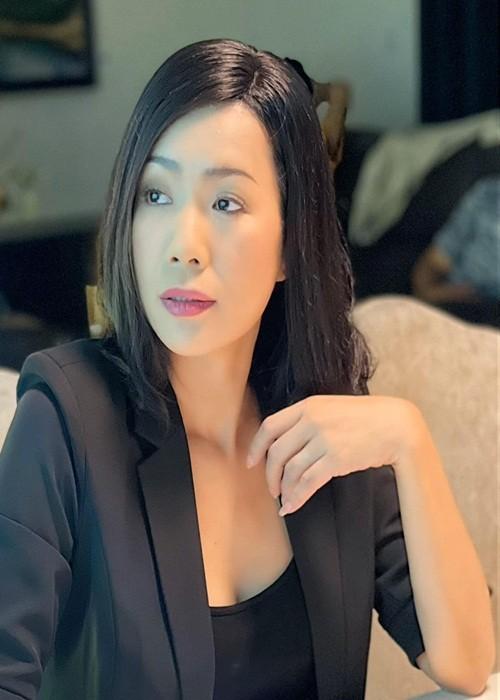 NSND Hong Van va loat sao Viet dinh on ao voi ba Phuong Hang-Hinh-7