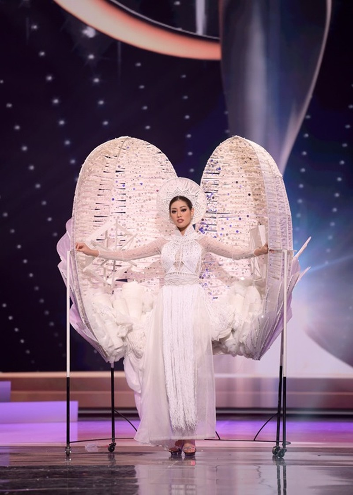 Hanh trinh den Top 21 Miss Universe 2020 cua Khanh Van-Hinh-5