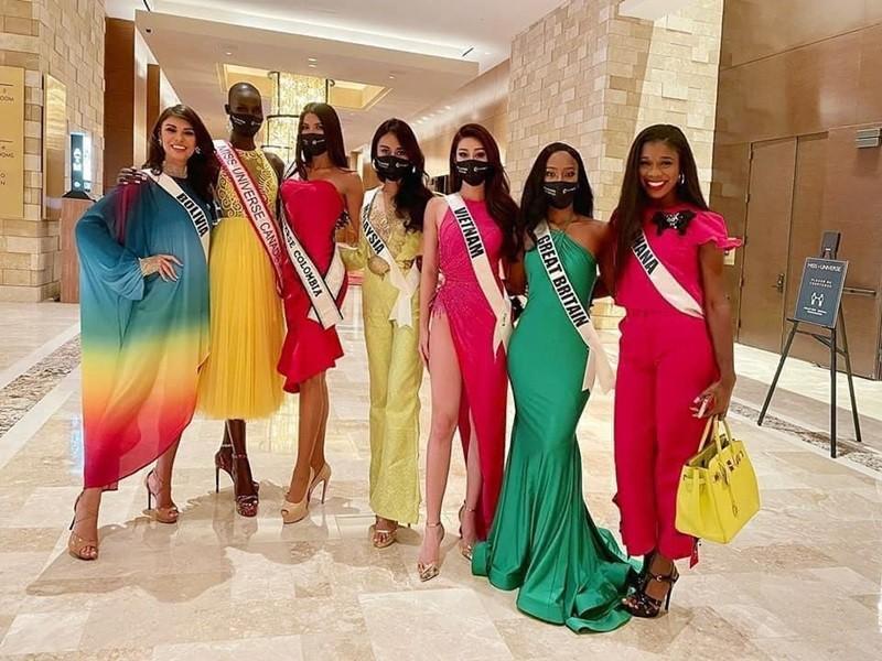 Hanh trinh den Top 21 Miss Universe 2020 cua Khanh Van-Hinh-8