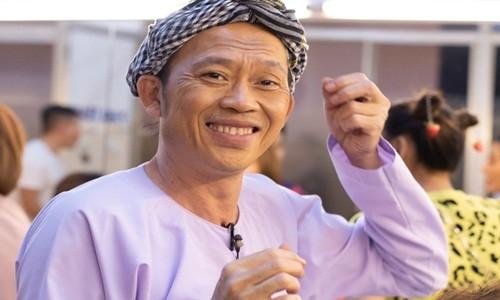 """Hoai Linh mat gi giua on ao """"ngam"""" hon 13 ty tu thien?"""