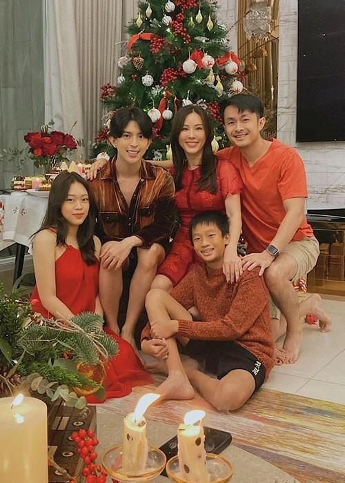 3 con rieng lon phong phao cua Hoa hau Thu Hoai-Hinh-9
