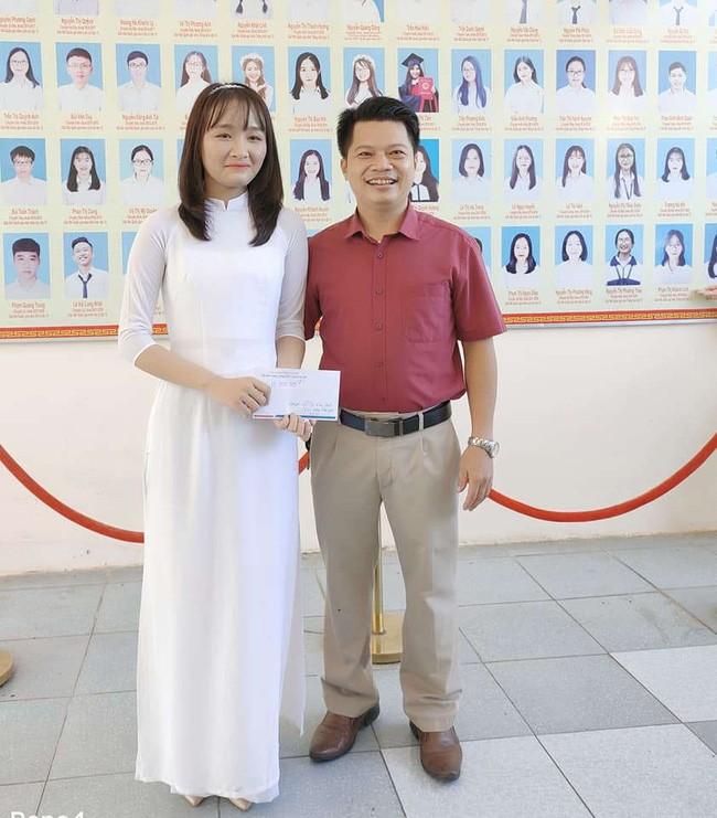 Nam sinh dat diem 10 Toan THPT 2021, thay giao thuong nong xe SH-Hinh-2