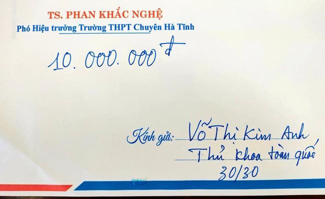 Nam sinh dat diem 10 Toan THPT 2021, thay giao thuong nong xe SH-Hinh-3