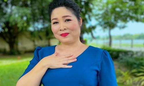 Hong Van len tieng ve viec xoa danh hieu NSND khoi Fanpage