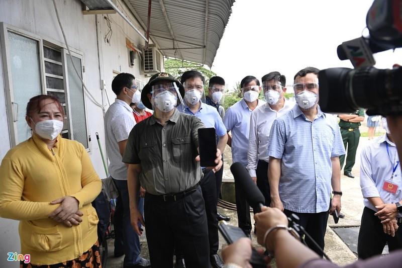 Thu tuong: TP HCM day nhanh xet nghiem dien rong, so tan dan neu can