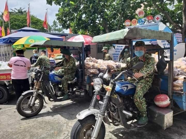 TP HCM: Luong nguoi ra duong tang 16% so voi hom qua-Hinh-4