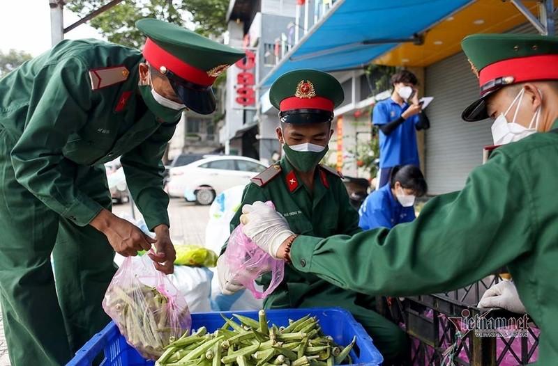 TP HCM: Luong nguoi ra duong tang 16% so voi hom qua