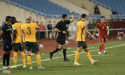 VFF kien nghi FIFA va AFC ve cong tac trong tai